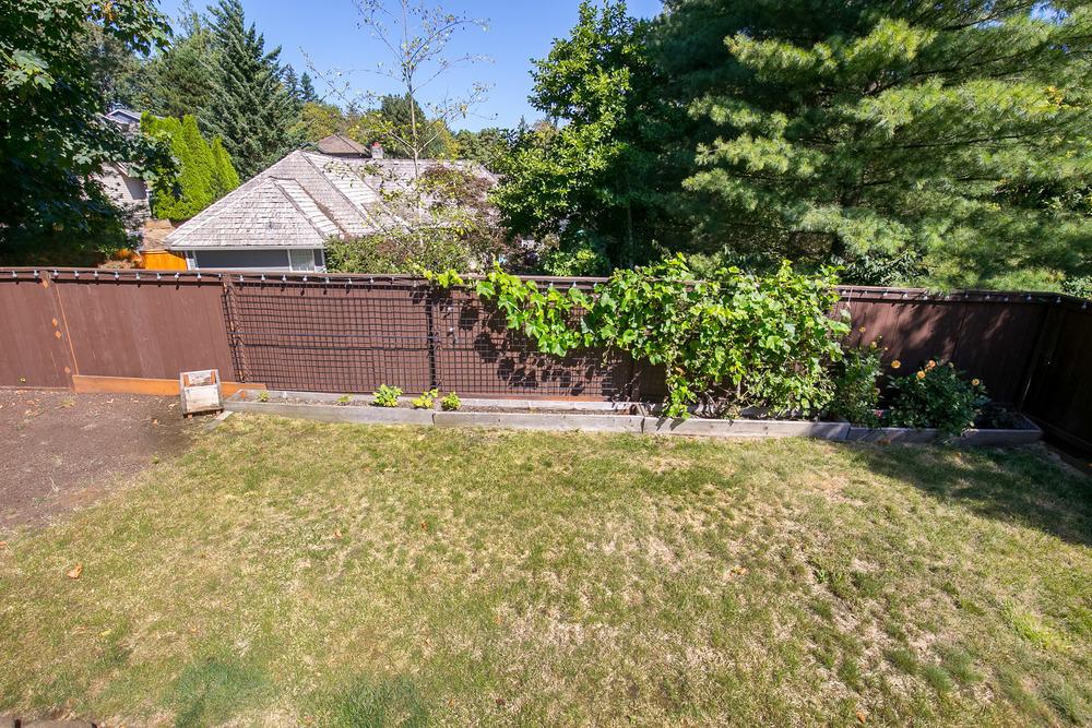 063_14633 SE Crystal St., Portland _MG_5590-HDR.jpg