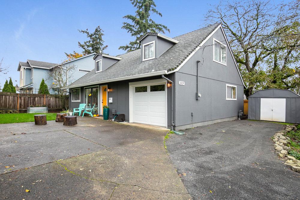 002_5529 SE 68th Ave. Portland_MG_3063-HDR.jpg