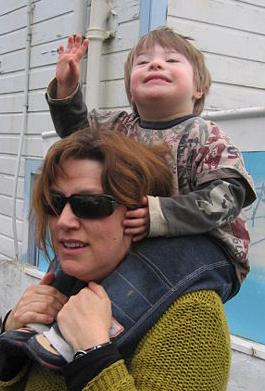 Child_piggyback2.jpg