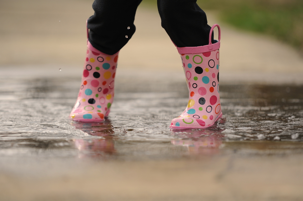031611_Puddles Play March 2011_2249.JPG