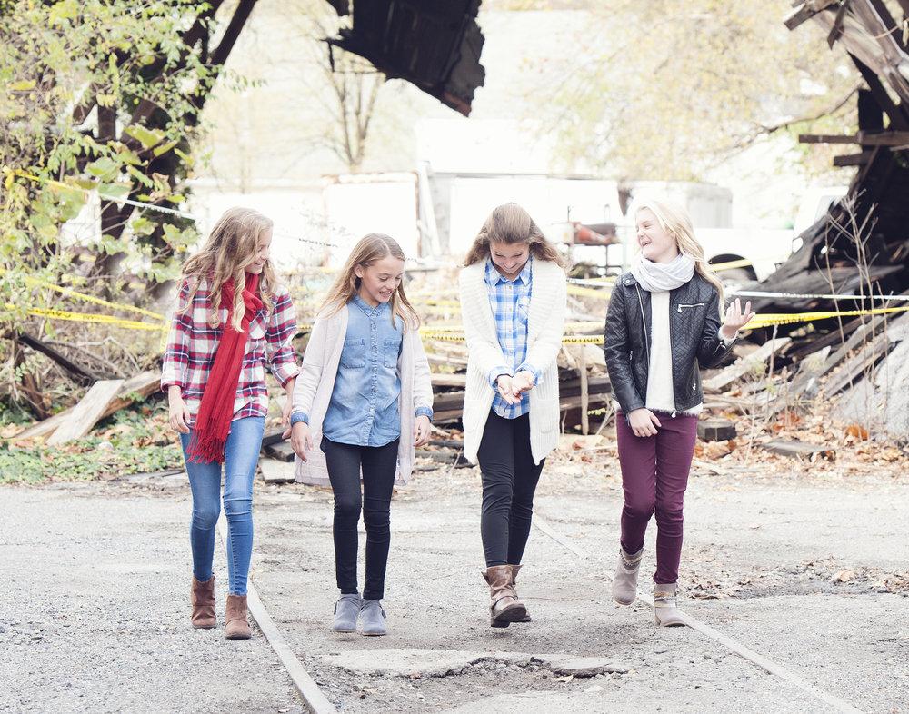 Girls_3214.jpg