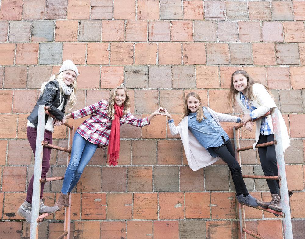 Girls_2966.jpg