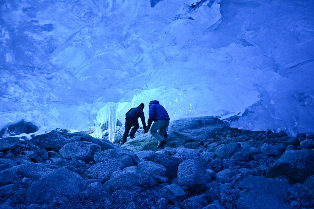 Grotte de glace sous le Jostedalbreen