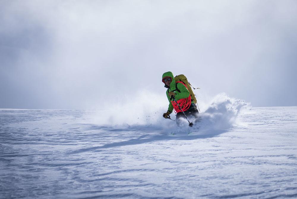 Poudreuse sur le glacier du Stockji