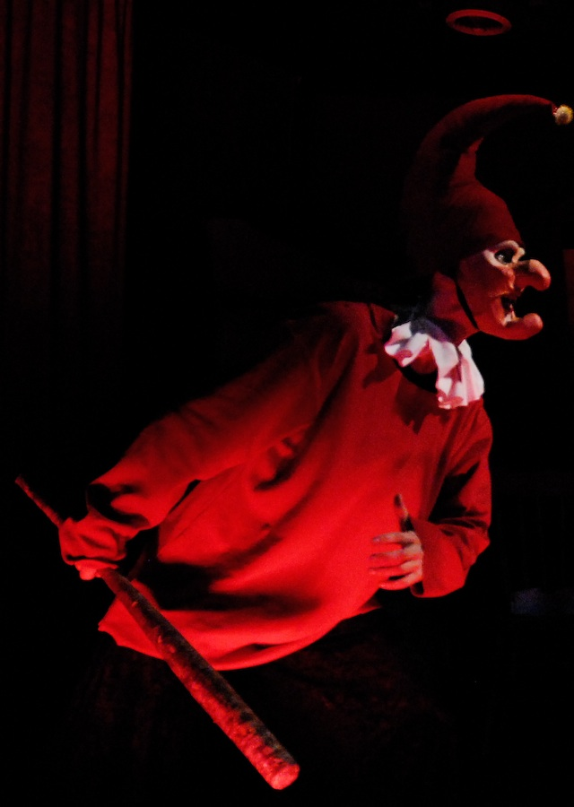 Punch in  A Grand Guignol Children's Show*(*NOT for Children) , Grand Guignolers 2008.  Mark Bennington Photography.