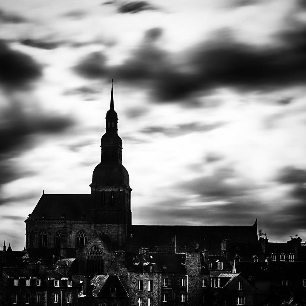 Dinan-Village-France.jpg