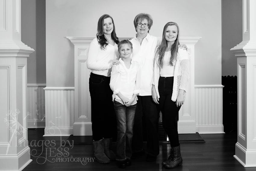Lynn's Family_3776.jpg