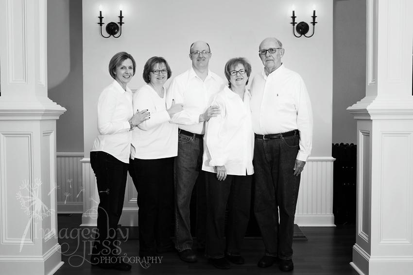 Lynn's Family_3794.jpg