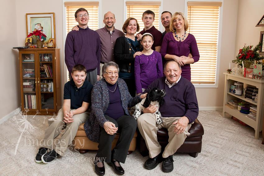 Gloria's Family_4627.jpg