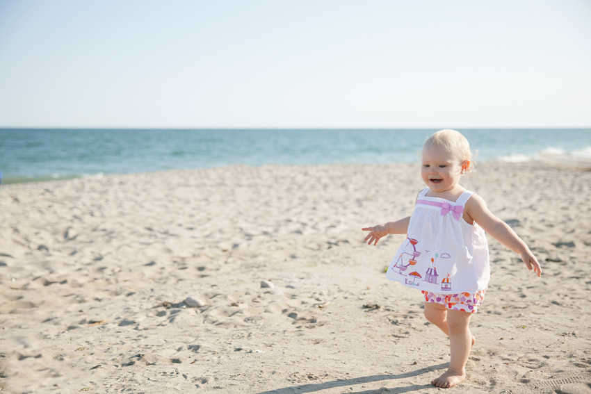 Lily's One Year at Beach_1023.jpg