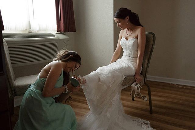 Sisters are the best! #rhodeislandweddingphotographer
