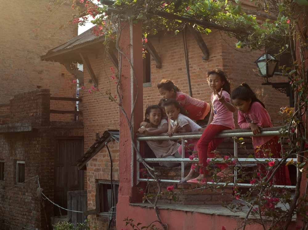 pink-girls-playing-local-villagers-children-friends-bandipur-nepal-asia-travel