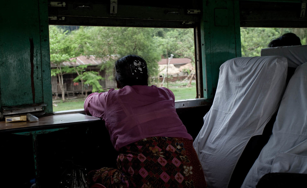 Train-view-moma-lady-vilager-local-street-Mawlamyine-yangon-myanmar-burma-asia-travel