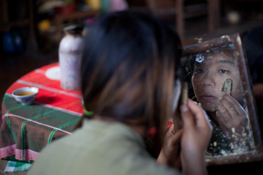 traditional-Make-up-Portrait-local-guide-Kalaw-myanmar-burma-asia-travel
