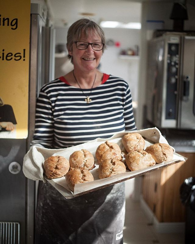 I live me a good pasty and when I tried the famous @annspasties on Lizard a few years back I had to get behind the counter and take some photos for her. Best #cornishpasty ever... fact! Here's an #environmentalportrait of Ann with her awesome bakes! Mary Berry ain't got nothing on Ann. . . . . . . . . . #modelportfolio #portrait #portraitphotography #commercialphotography #commercialportraits #commercialphotographer #northwest  #uk #willtravel #actor #actorheadshots #music #musicphotography #branding #personalbranding #personalbrand #musician #ceo #corporate #maker #blogger #kitchen #bakery #traditional