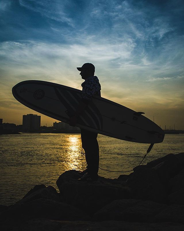 One of my first portraits... well photo of a person re-edited a little. Taken in #southsea with a nice view of #gosport over the water lovely #sunset but not a #surfable #wave in site 🤣 🏄‍♀️ 🌊 . . . . . . . . . #portsmouth #coast #uk #surf #surfboard @circleonesurfco #silhouette #splittone #portraitphotography #portrait #commercialphotography #commercialportrait #sportspromotion #branding #personalbranding #blogphotography #manchester #manchesterphotographer #manchesterphotography #manchestercommercialphotographer  #manchestercommercialphotography