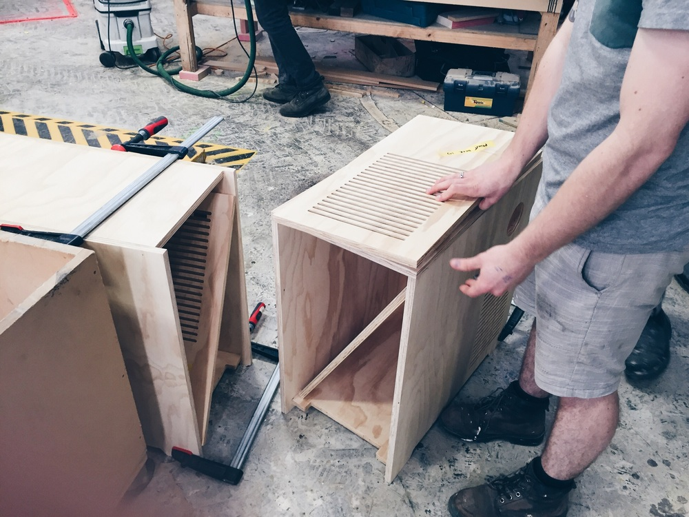 assembly, took a bit of figuring out, curved desks can be difficult