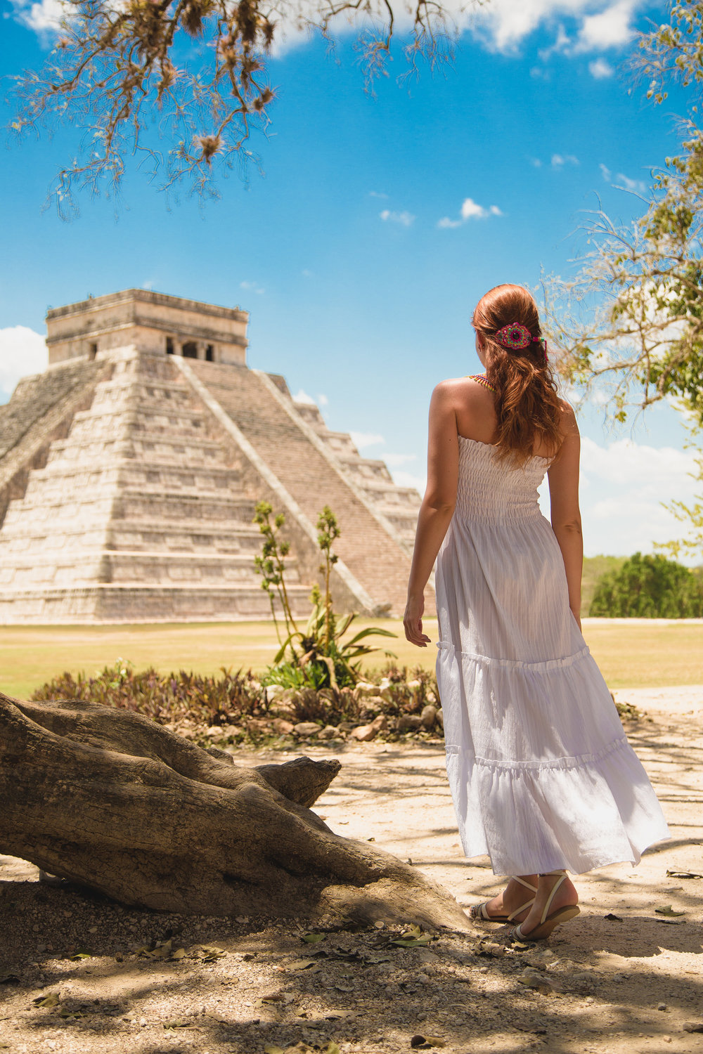 Iana Komarnytska, photographed at Chichen Itza. © 2018. Pedro Bonatto