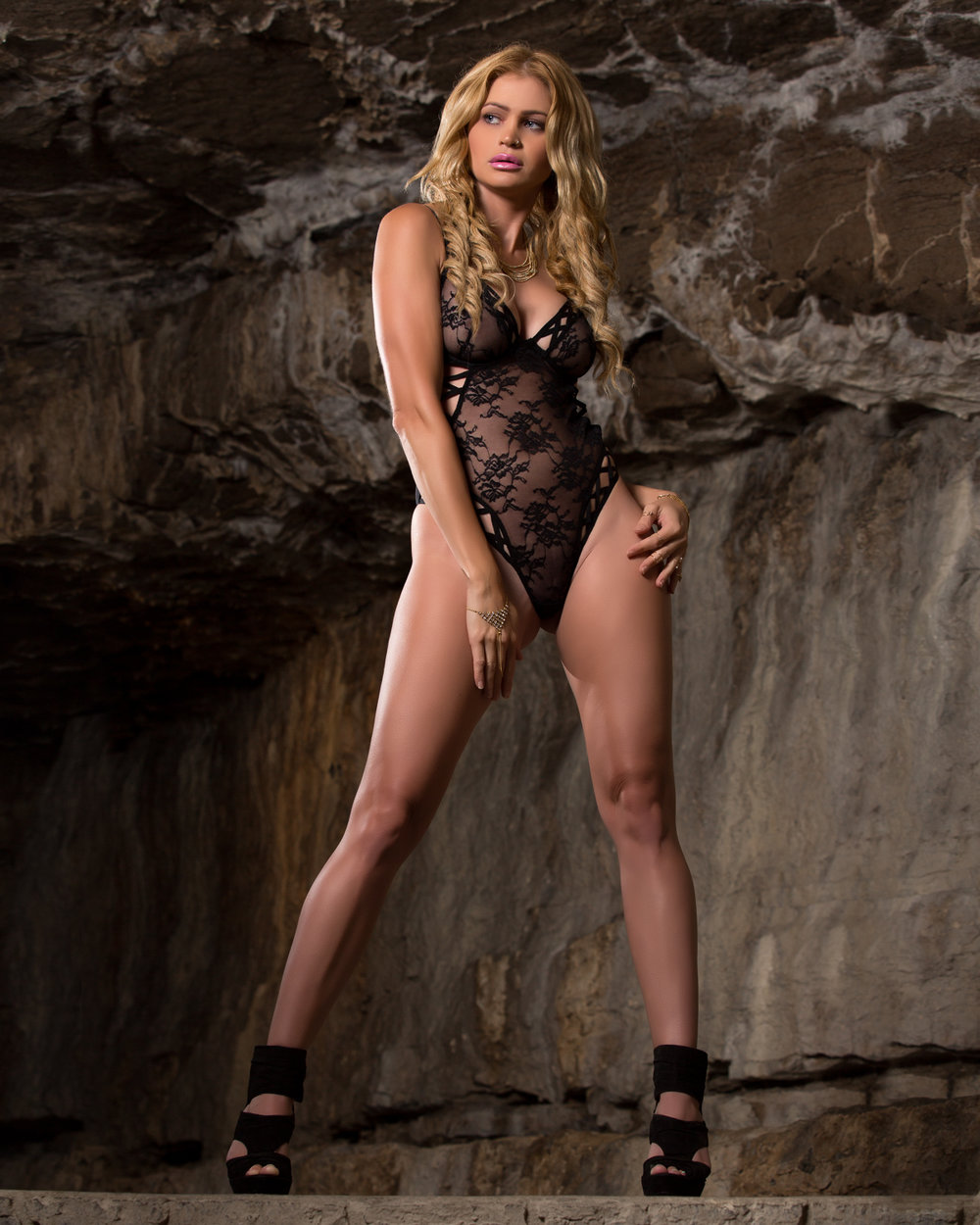 pedro-bonatto-stacee-may-cave-lingerie.jpg
