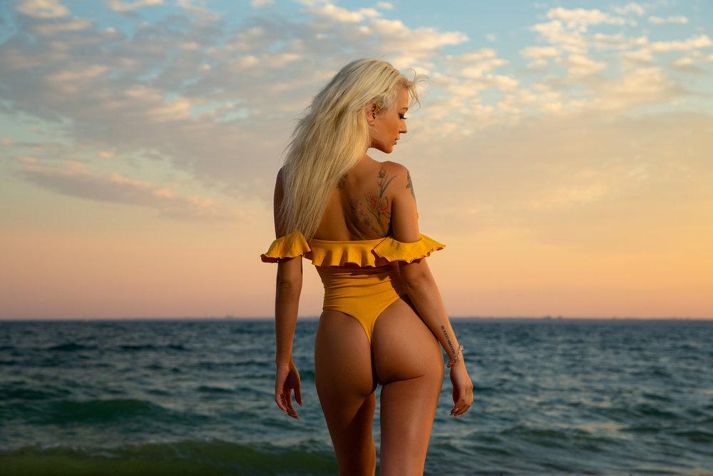 pedro-bonatto-portfolio-bikini-sunset.jpg