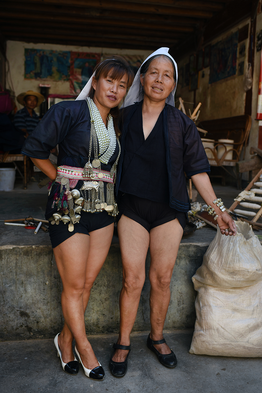 Chen Juan and her teacher Mao LeBeng. Dayangjie town, Yunnan, 2017.
