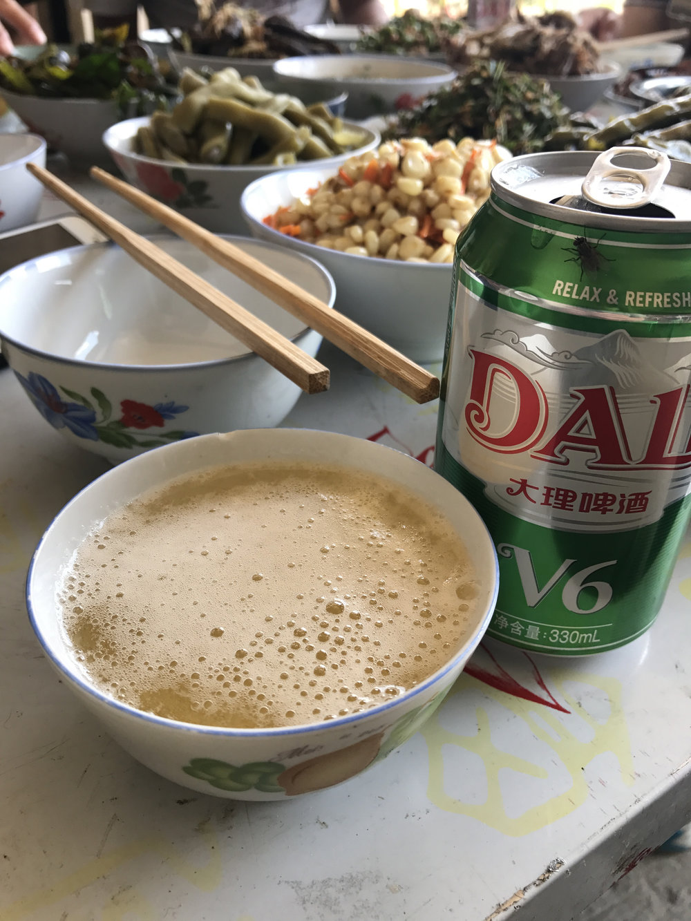 Bowls of beer in Dayangjie.
