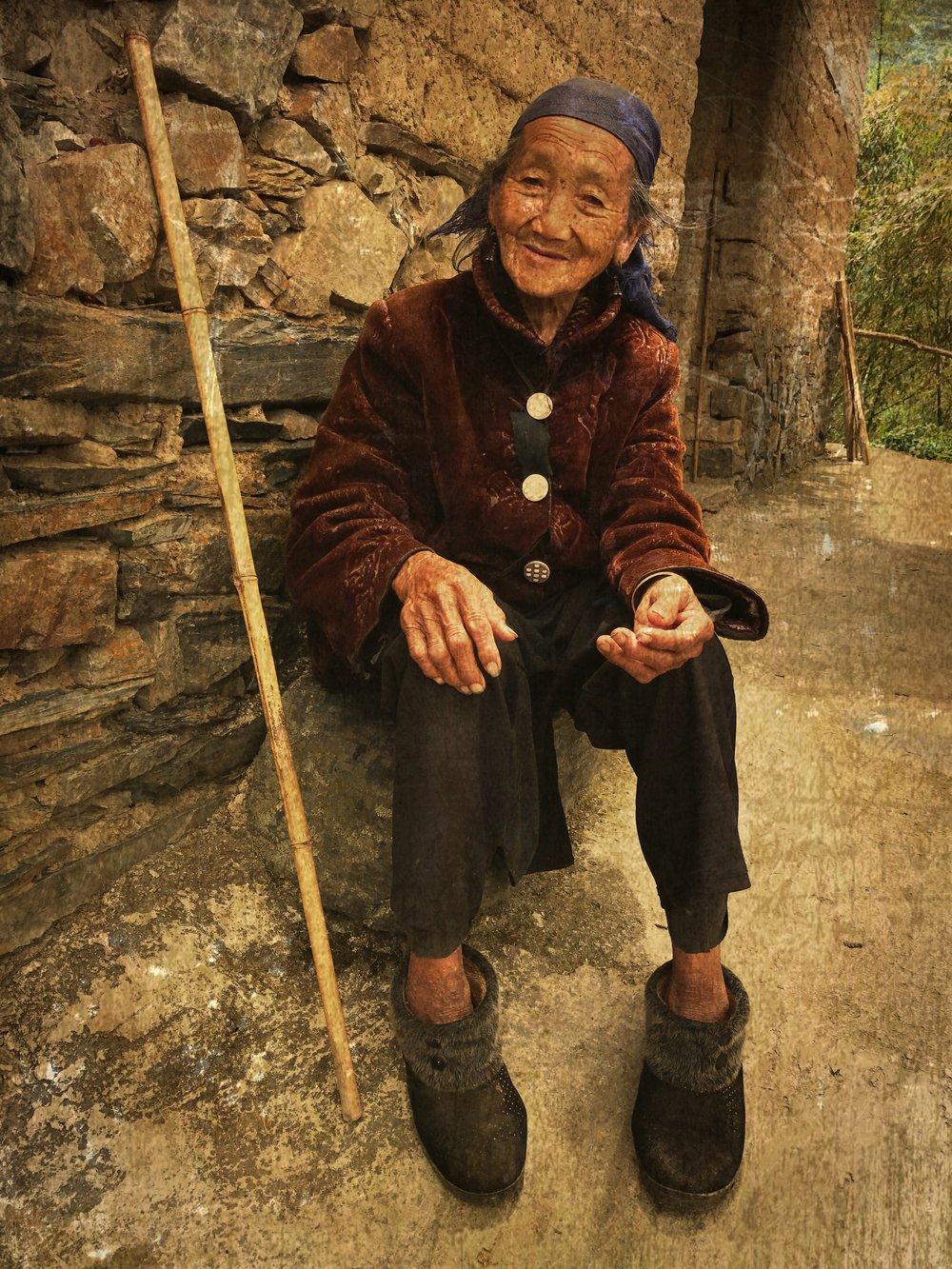 Hani women, Potuo
