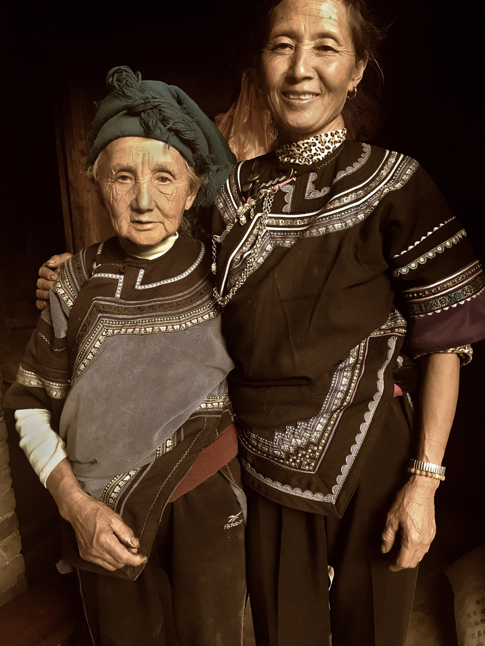 Li APang and her mother, Dieshi village