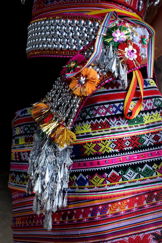 Costume design, Dai people, Da Mu Yu village
