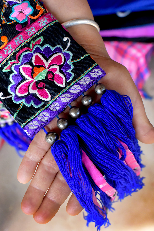 Hua Gu costume design; Yi people of Mo Pi village