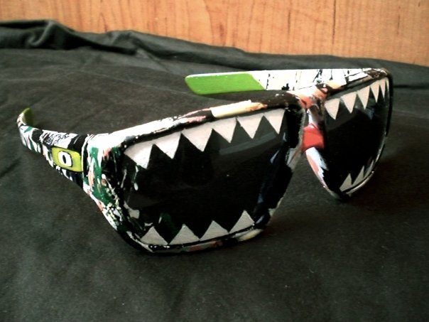 Oakley x Brian Liu  Oakley commissioned special edition sunglasses.    2009  Acrylic on sunglasses