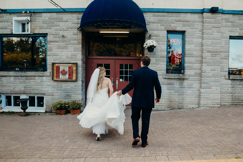 8646 - Lyndsay and Trevor Wedding.jpg