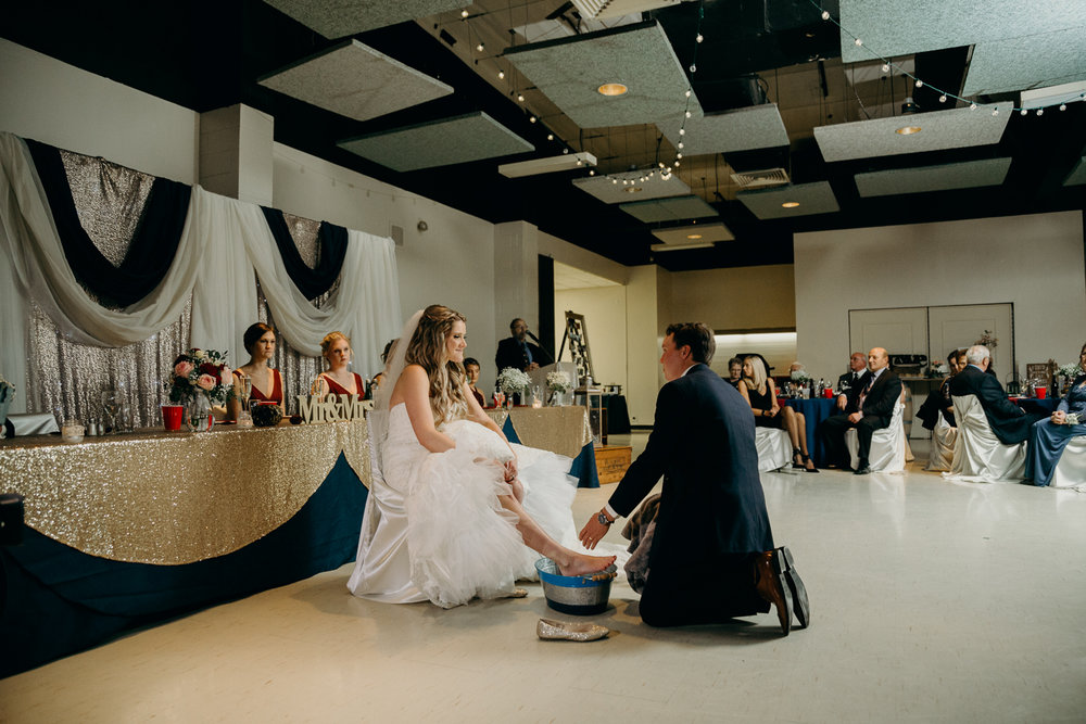 8905 - Lyndsay and Trevor Wedding.jpg