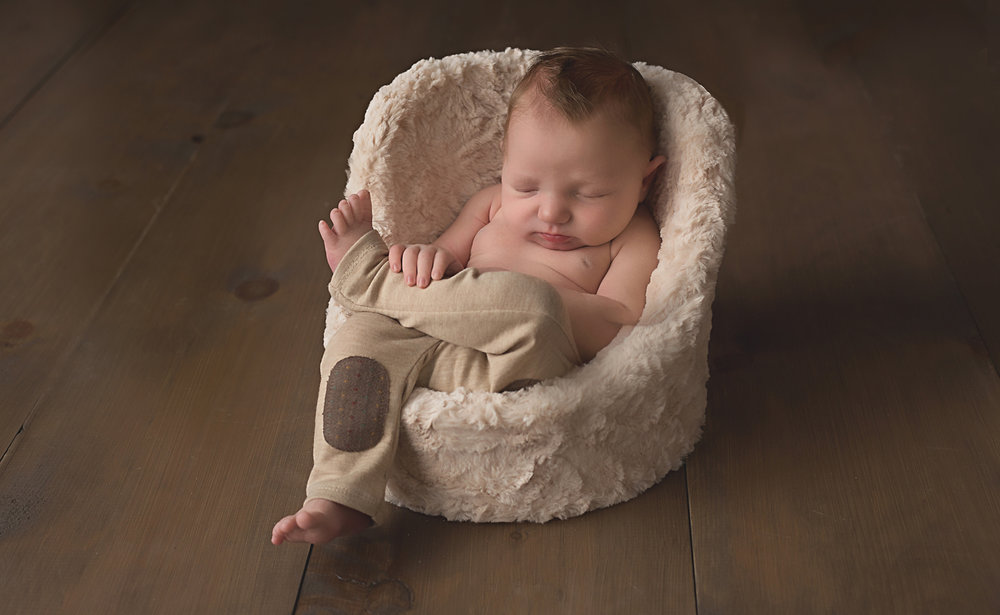 sleeping-baby-boy-sudbury-photography-newborn-specialist.jpg