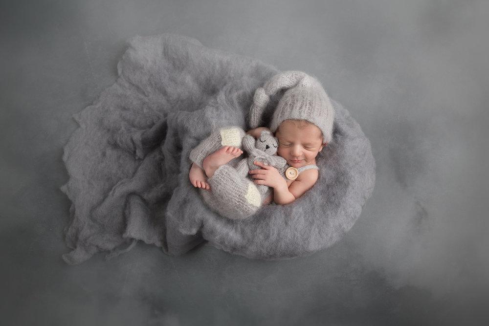 newborn-photo-cute-teddy-bear