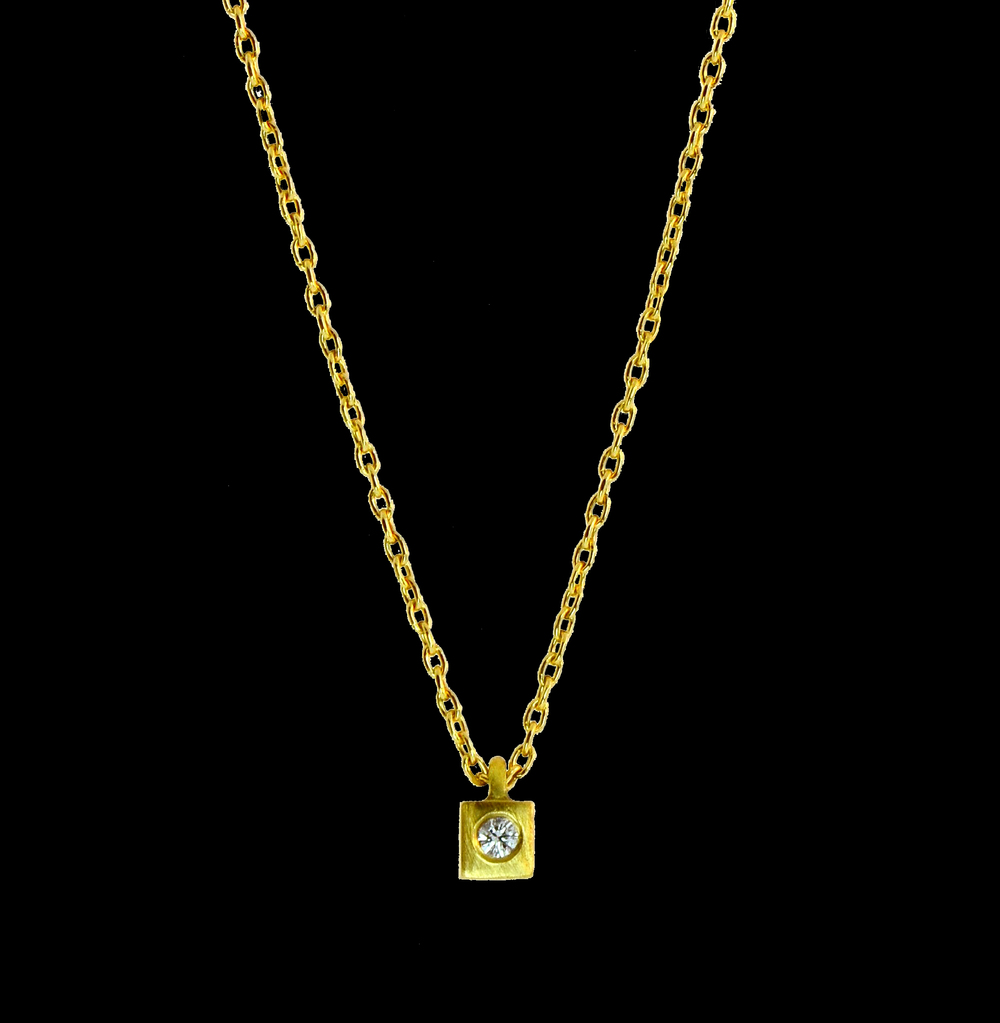 18k Yellow Gold Micro Pendant with Diamond
