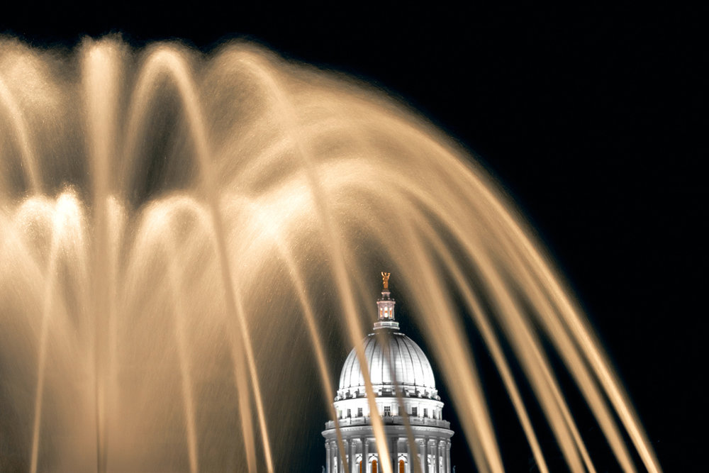 Capitol Fountain in Color