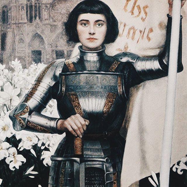 Well behaved women seldom make history. -- Laurel Thatcher Ulrich . . . . . . . . . #bold #boldwomen #courage #courageouswomen #empower #empoweredwomen #brave #bravewoman #joanofarc #bravery #strength #youhavecourage