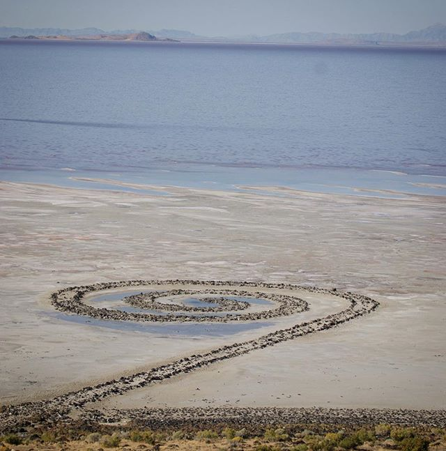Spiral Jetty by Robert Smithson, 1970 on the Salt Lake. The Magnum Opus by the legendary artist. A true art pilgrimage, not easy to get to! On the road, check it out here @bees_inthe_wind  #art #landscapeart #landart #diafoundation #roadtrip #utah