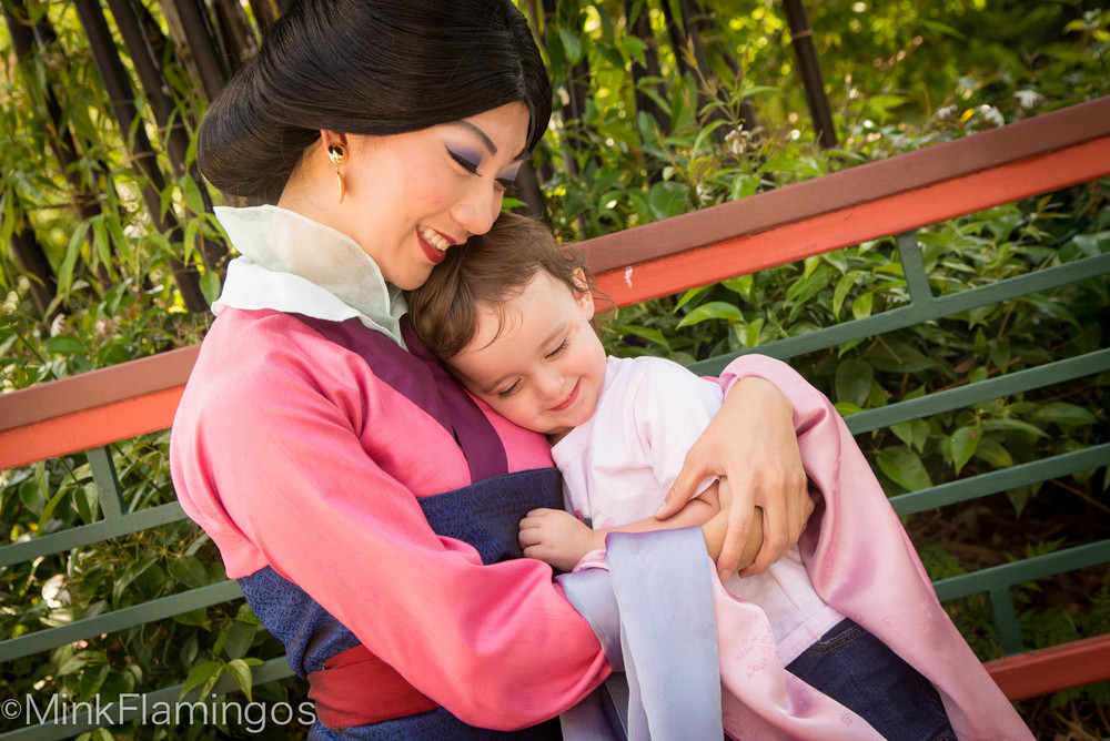 Sigh-worthy Hugs from Mulan