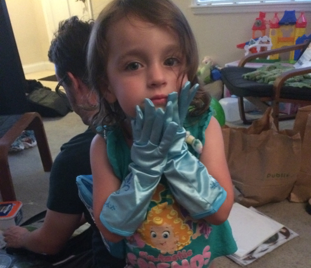D's new Elsa gloves