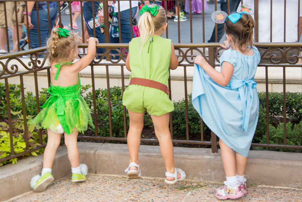 Tink, Pan, and Wendy cheering on Move It Shake It