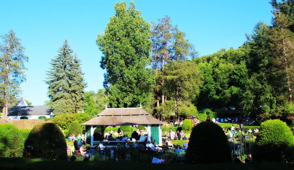 Sunken Garden. Hillstead Homestead. Ted Kooser & Hadar Bar-Nadav read.