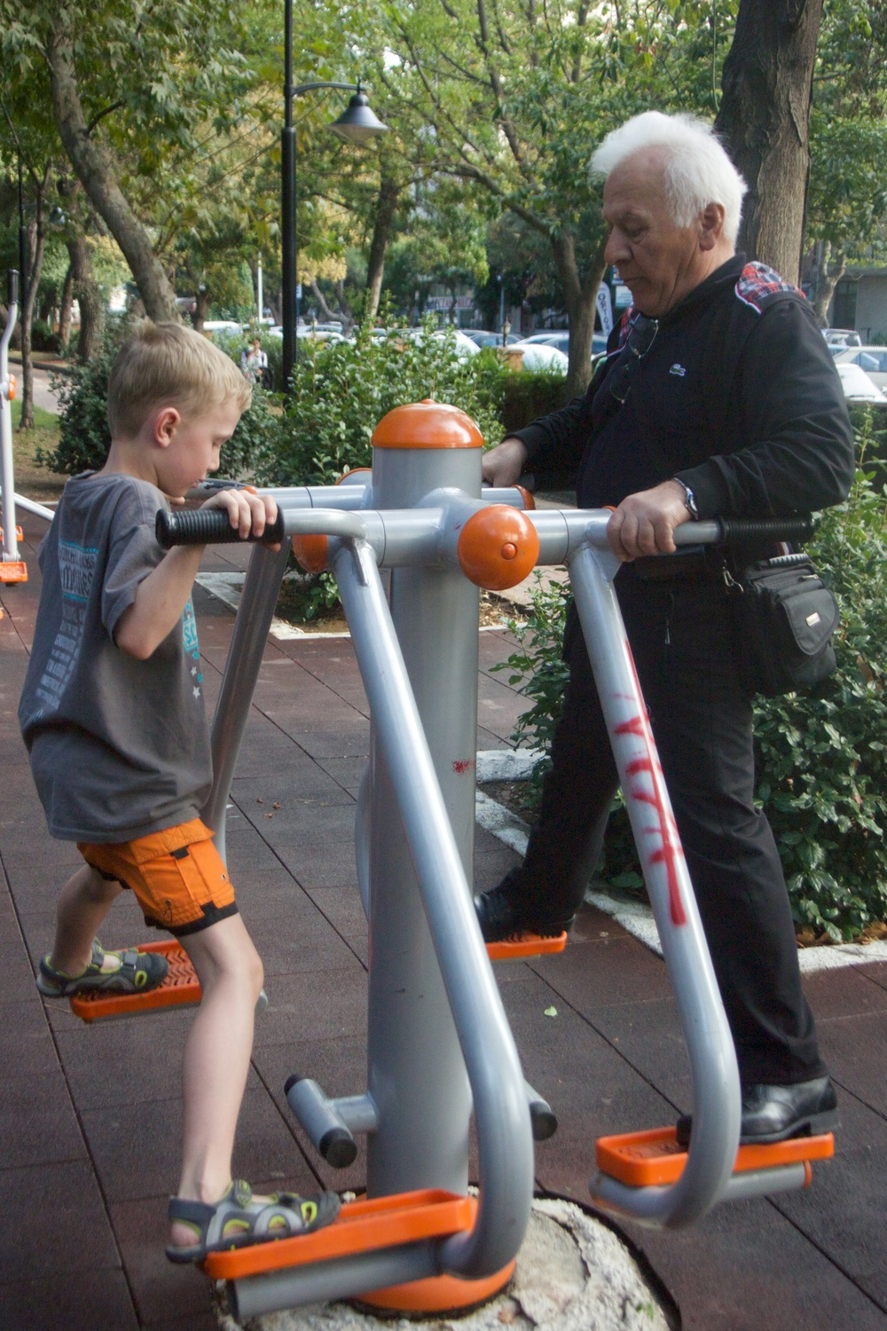 Public exercise machines in parks