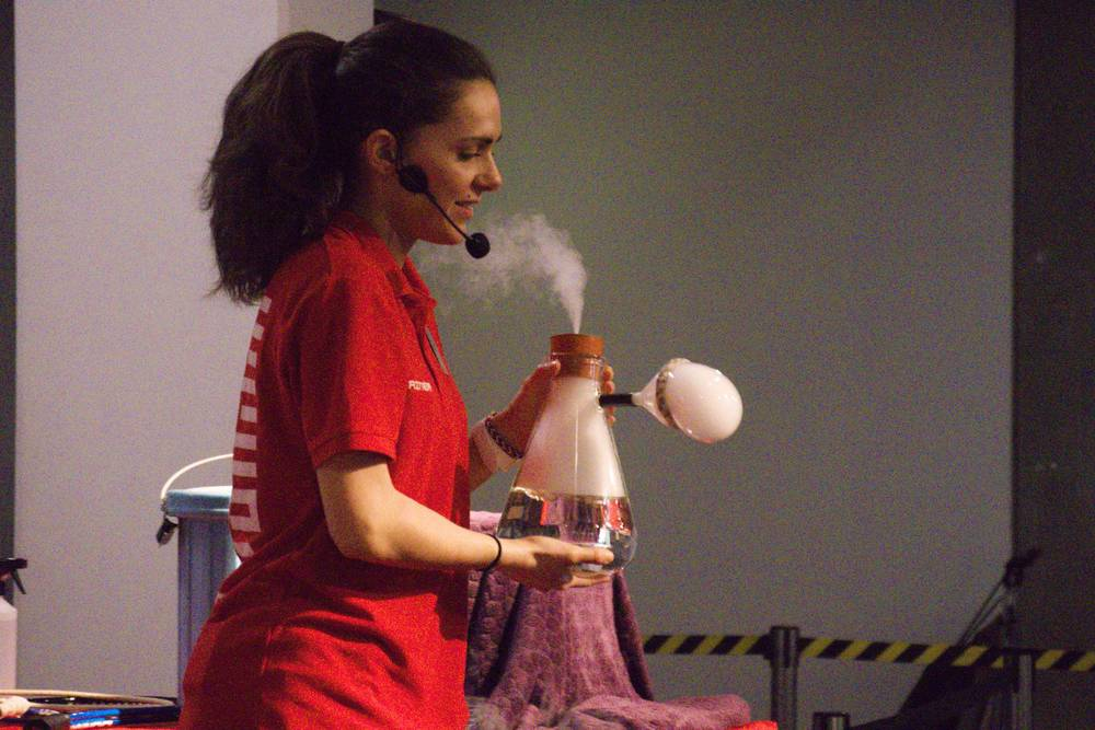 Science Museum demo of CO2 bubbles
