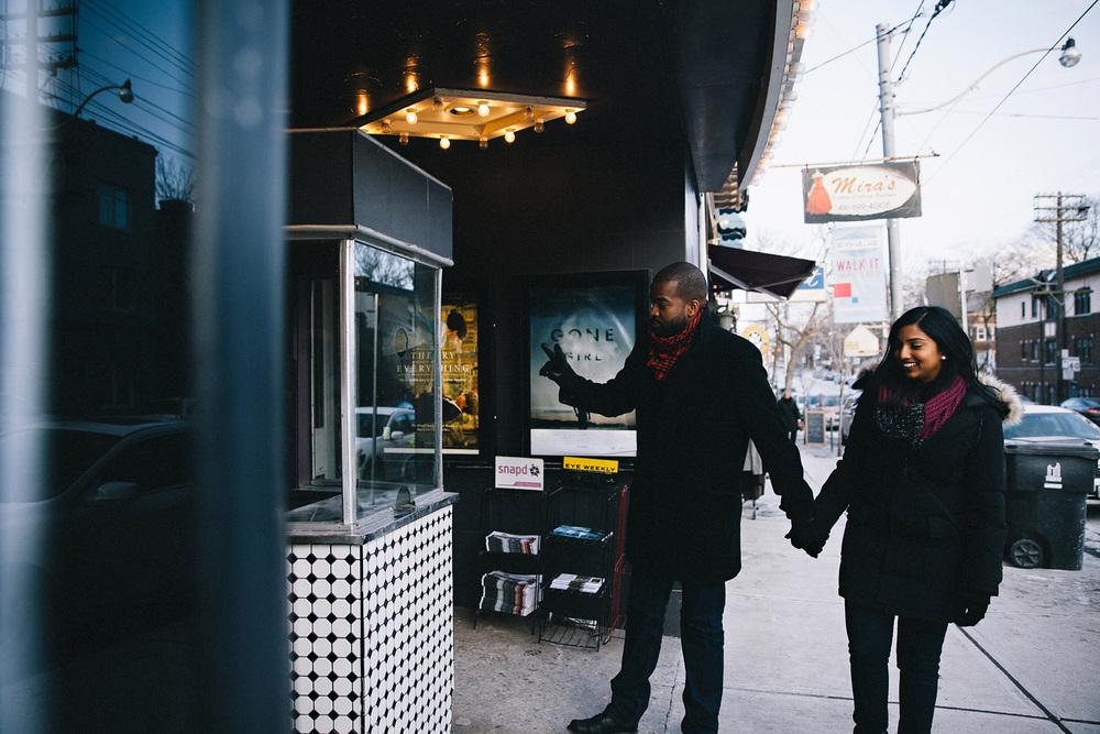 144-fox-movie-theatre-engagement-shoot-in-toronto.jpg