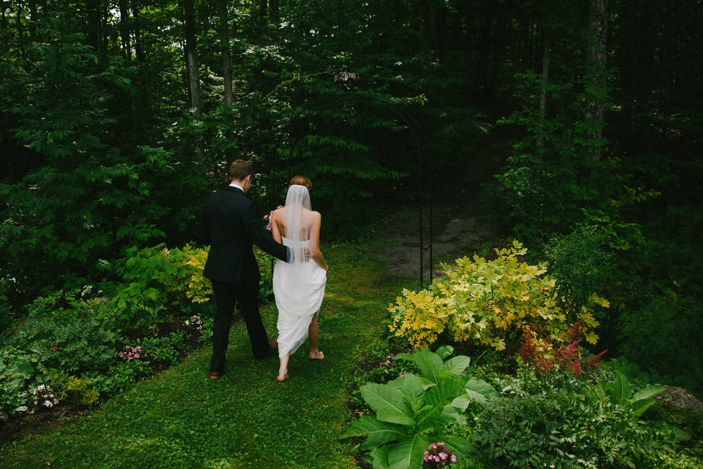 093-IntimateQuebecGardenWedding.jpg