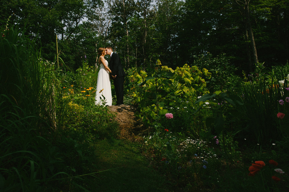 132-IntimateQuebecGardenWedding.jpg