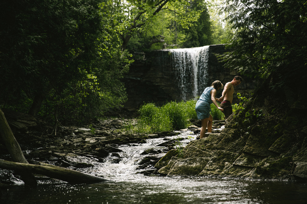 235-WaterfallEngagementSession.jpg