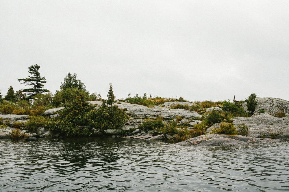 123-rainy-georgian-bay-engagement-session.jpg